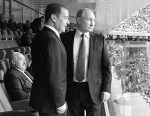 Александр Лукашенко уже посмотрел один матч чемпионата вместе с Путиным и Медведевым