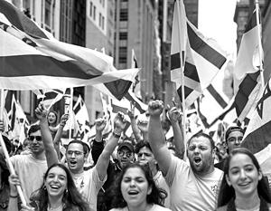 «Они доводят самые влажные мечты антисемитов всего мира до совершенства, загоняя всех иудеев в гетто на Ближнем Востоке»