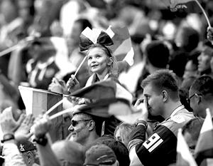 Футбольные чиновники уже не один год ломают голову над тем, как привлечь людей на стадионы