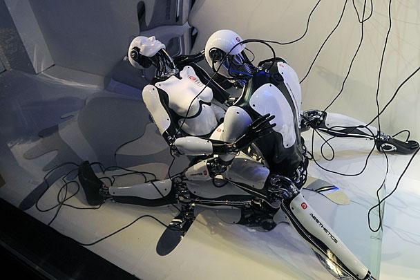 Сексуальные роботы в цуме