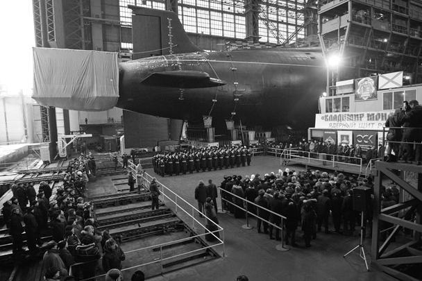 Уже третий ракетный подводный крейсер стратегического назначения (РПКСН) проекта 955 «Борей» спущен на воду. Лодка «Владимир Мономах» является носителем ракетного комплекса «Булава»