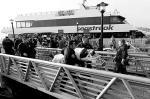 В причал Нижнего Манхэттена в Нью-Йорке врезался паром Sea Streak с пассажирами. На его борту находились около 300 человек. По предварительным данным, при столкновении пострадали от 30 до 50 человек