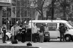 Сразу шесть человек, в том числе девочка-подросток, погибли в Белгороде при вооруженном нападении на один из местных магазинов. Преступников, судя по всему, было двое, и они уже установлены