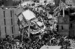В городе Дакка обрушилось восьмиэтажное здание Rana Plaza, в котором размещались торговые лавки, банки, а также текстильная фабрика. В результате ЧП погибли около 82 человек, более 700 пострадали