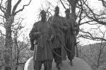 Памятник украинским казакам открыт в Вене. Он посвящен событиям 1683 года, когда, как считается, казаки помогли освободить Вену от Османского ига