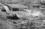 Сирийское государственное агентство SANA опубликовало снимки разрушений, причиненных ударом израильских ВВС по ракетным складам и базам в окрестностях Дамаска. Власти страны утверждают, что в результате налета погибли около 300 военнослужащих, еще сотни человек получили ранения