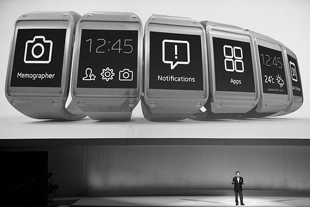 На выставке в Берлине южнокорейская компания Samsung провела презентацию своего нового цифрового устройства – «умных» часов Galaxy Gear. Впервые Samsung удалось сыграть на опережение в противостоянии с Apple