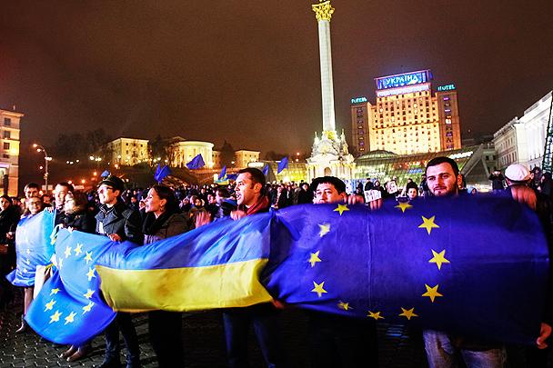 Украинцы обрывают телефоны крымчан: «Хотим к вам. Тут проклятые Бендеры!»