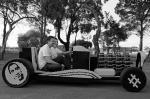 Полмиллиона деталей лего ушло на строительство этого автомобиля, который целиком состоит только из них, за исключением резины для колес и пневматического двигателя. Создали автомобиль двое 20-летних студентов: один из Румынии, другой из Австралии