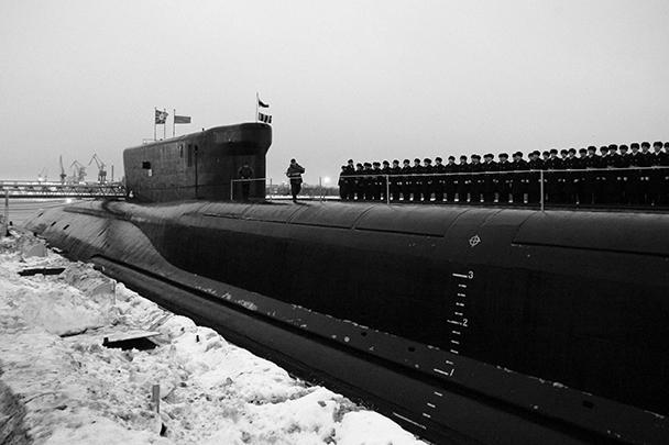 """В понедельник на северодвинском заводе """"Севмаш"""" подписан акт приема-передачи атомного ракетного подводного крейсера стратегического назначения """"Александр Невский"""" проекта 955 """"Борей"""". Это первый серийный корабль проекта (второй по счету после головного). Его заложили в 2004 году"""