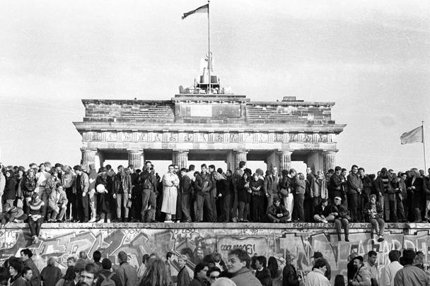 В Германии прошли торжественные мероприятия, посвященные 25-й годовщине падения Берлинской стены. Канцлер Германии приветствовала приезд в Берлин на праздничные мероприятия бывшего президента СССР Михаила Горбачева и бывшего президента Польши Леха Валенсы