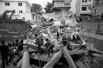 В Непале в результате землетрясения магнитудой 7,9 погибли не менее 700 человек. В столице Непала Катманду под обломками зданий могут находиться сотни человек. Потеряна связь с 19 россиянами-альпинистами