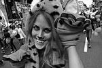 В Приморье 27 сентября отмечается День тигра. В шествии, посвященному хищнику, во Владивостоке приняли участие более 8 тысяч человек. С этим необычным праздником граждан страны уже поздравил президент Владимир Путин