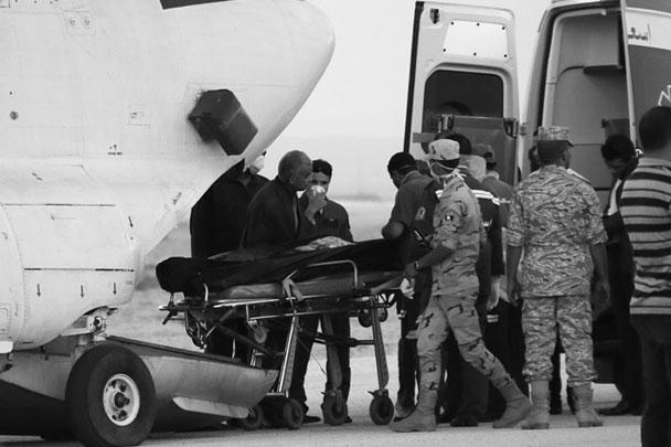 Самолет Airbus-321, следовавший из Шарм-эль-Шейха в Санкт-Петербург с 217 российскими туристами и семью членами экипажа на борту, рухнул на границе Египта и Израиля. Самолет упал в гористой местности, при этом, по данным спасателей, раскололся, фюзеляж его полностью сгорел. Не выжил никто, среди жертв – 17 детей