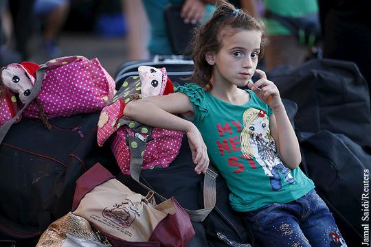 МИД Греции: В Европу направляются 300 тыс. беженцев