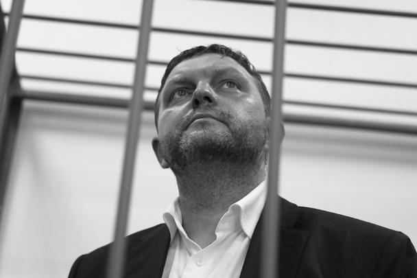 Защита Никиты Белых ходатайствовала о его освобождении под залог, однако суд прислушался к мнению обвинения о том, что чиновник, находясь на свободе, сможет влиять на свидетелей