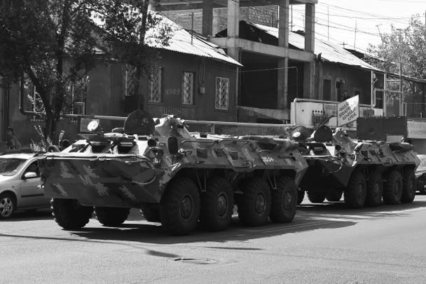 На трассах армянской столицы – бронетехника