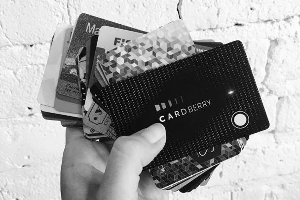 Cardberry избавляет от необходимости носить с собой коллекцию карт