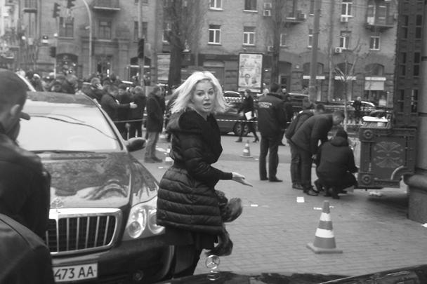 На место преступления прибыла вдова Вороненкова, тоже бывшая депутат Госдумы Мария Максакова