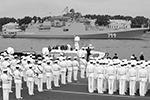 Прохождение мощного фрегата «Адмирал Макаров» по Неве стало одним из самых ярких зрелищ во время репетиции парада в честь Дня ВМФ (фото: Александр Демьянчук/ТАСС)