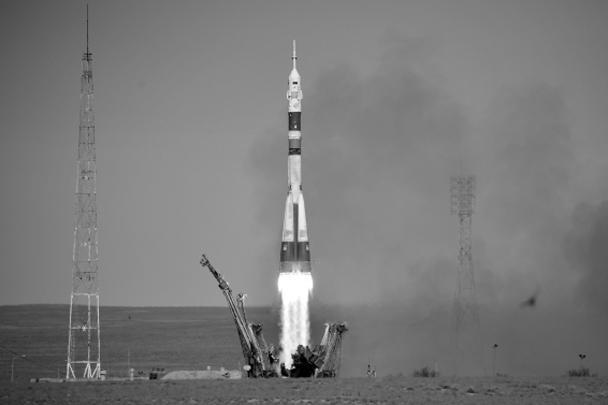 Ракета «Союз-ФГ» с кораблем «Союз МС-10» с двумя членами экипажа на борту в четверг стартовала с космодрома Байконур