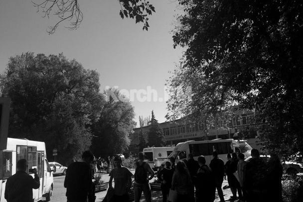 В качестве первоначальной версии назывался взрыв газа, однако здание Керченского политехнического колледжа не было газифицировано