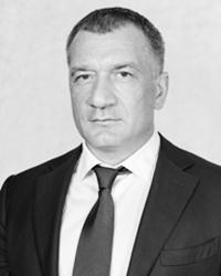 Депутат заксобрания Ленинградской области Владимир Петров (фото: lenoblzaks.ru)