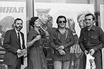 X Международный кинофестиваль, 1977 год (слева направо): кинокритик Рональд Холловей (США), кинорежиссеры Лариса Шепитько (СССР), Бернардо Бертолуччи (Италия), Элем Климов (СССР)  (фото: Александра Конькова /Фотохроника ТАСС)