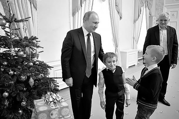 Вместе с Артемом на встречу с президентом пришли его брат и отец