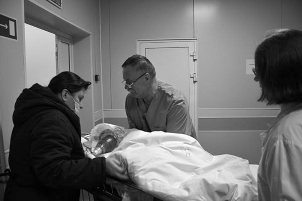 Чудом спасенного ребенка было решено эвакуировать в Москву