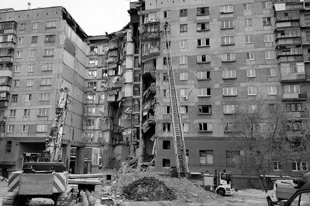 Жителям сообщают, что домов теперь будет два – «за отсутствием середины»