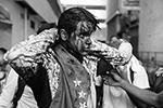 По всей Венесуэле начались столкновения противников президента Николаса Мадуро с национальными силами безопасности. В беспорядках участвуют сотни тысяч венесуэльцев. Число задержанных измеряется сотнями, более десяти человек погибли (фото: Miguel Gutierrez/EPA/ТАСС)