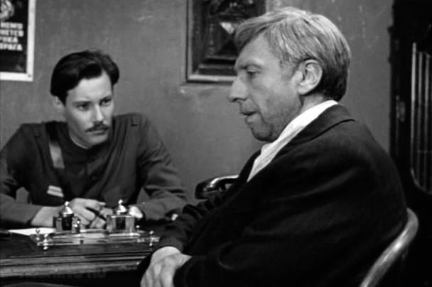 Памятная роль Юрского в многосерийном фильме «Место встречи изменить нельзя»