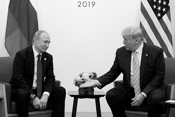 Также Путин пригласил Трампа в Москву на празднование 75-й годовщины победы в Великой Отечественной войне. Президент США отреагировал на приглашение очень позитивно