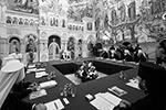Основателями монастыря, согласно церковному преданию, были миссионеры Сергий и Герман Валаамские, которые пришли в эти места в конце X века.  В монастырский комплекс входят главная усадьба и 12 скитов. Монастырь ставропигиальный – подчиняется непосредственно патриарху. Ежегодно обитель посещают более 100 тысяч паломников и туристов.  Прикасаясь к этому святому месту, «невозможно остаться безразличным к тому, что видишь, слышишь, чувствуешь, к духовной силе того подвига, который совершался здесь на протяжении столетий», – подчеркнул патриарх Московский и всея Руси Кирилл (фото: Игорь Палкин/Пресс-служба патриарха Московского и всея Руси/ТАСС)