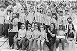 Увидеть собственными глазами поистине историческое событие для Индии пришли тысячи граждан страны, в том числе и самых маленьких (фото: isro.gov.in)