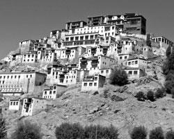 Буддийский монастырь в Ладаке, ныне получившем статус отдельной союзной территории (фото:Fayaz Kabli/Reuters)