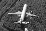 Общий налет 41-летнего Дамира Юсупова, командира воздушного судна, превышает три тысячи часов. Второму пилоту самолета Георгию Мурзину 23 года, его общий налет составляет 600 часов (фото:  Baza/youtube.com)