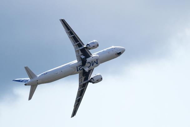 В программе авиашоу впервые представили пассажирский самолет среднемагистрального класса МС-21-300