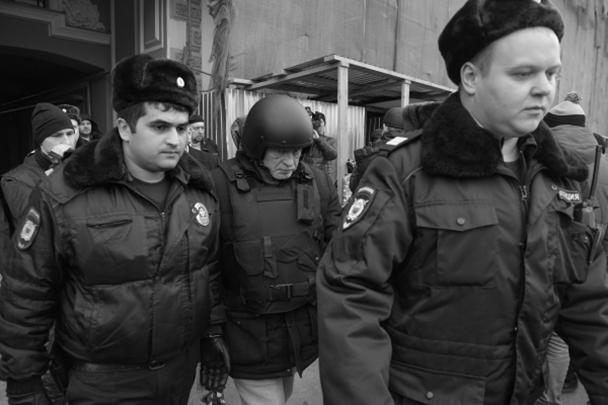 По версии следствия, Соколов застрелил 24-летнюю Анастасию Ещенко, после чего расчленил труп и попытался избавиться от него, выбросив останки в реку