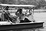 Во время визита в Пекин летом 2000 года Путин совершил прогулку на лодке по озеру в парке Бэйхай (фото: kremlin.ru)