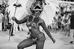 Постепенно школы самбы вытеснили с карнавала другие виды танцев (фото: Fabio Motta/EPA/ТАСС)