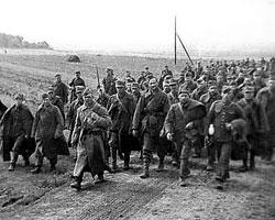 Пленные польские солдаты (фото: Public domain)