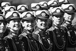 Женщины-военные также приняли участие в параде на Красной площади (фото: )