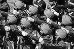 Индийские военные-пехотинцы оказались самыми колоритными участниками парада  (фото: Сергей Бобылев/ТАСС)