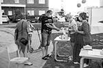 А жители Курска исполнили гражданский долг, несмотря на жару. Избиратели чувствовали себя в безопасности, ведь сотрудники УИКов обеспечили их всеми средствами защиты, включая антисептики-санитайзеры (фото: Ситуационный центр общественного наблюдения ОП РФ)