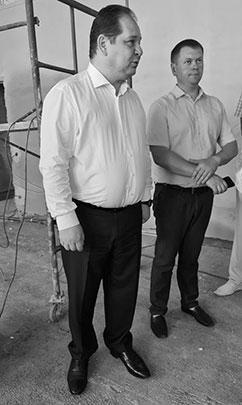 Ростислав Гольдштейн (слева) вновь обращает внимание на необходимость исполнительской дисциплины