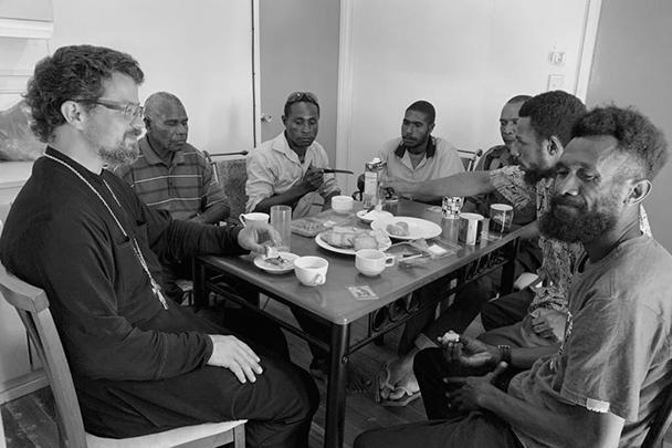 Иерей Кирилл Шкарбуль провел несколько месяцев в миссионерской поездке по Папуа – Новой Гвинее и рассказал о результатах газете ВЗГЛЯД
