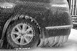Ледяной дождь буквально сковывал все вокруг(фото: Юрий Смитюк/ТАСС)