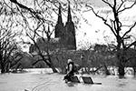 В Германию в начале февраля пришло резкое потепление и проливные дожди. Из-за таяния снега и постоянных осадков из берегов вышла река Рейн, частично затопив многие населенные пункты, находящиеся на ее берегах (фото: Martin Meissner/AP/ТАСС)